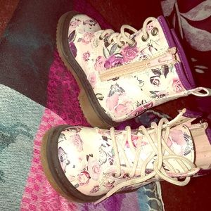 Shoes - Toddler girls floral boots